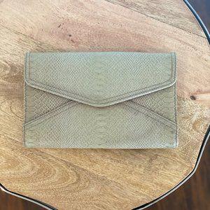 Handbags - Beige Clutch